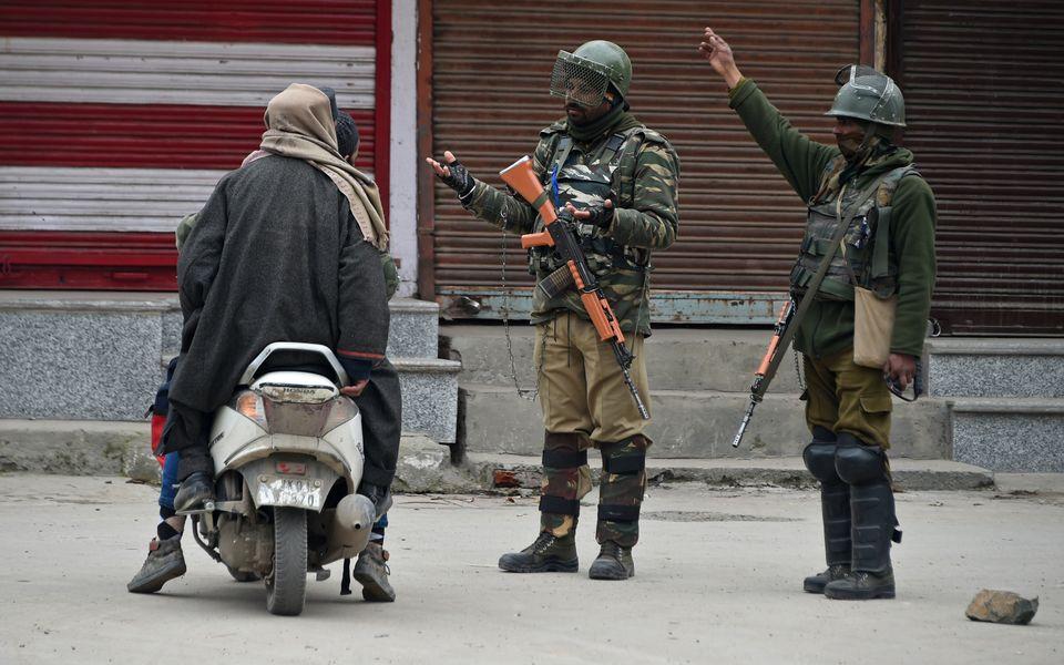 Indische paramilitärische Soldaten in