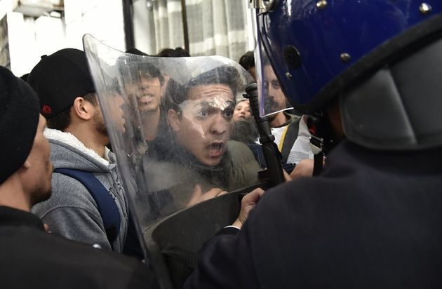 La manifestation a cependant été ponctuée d'échauffourées avec la...