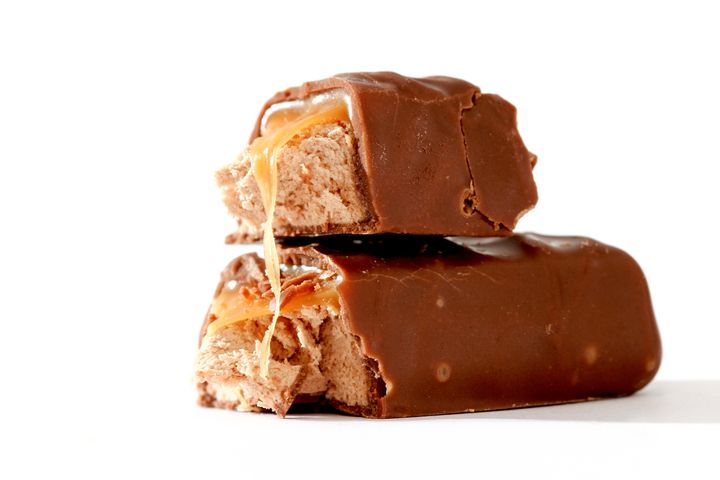The Healthiest Candy Bars Ranked By Nutritionists Huffpost Life
