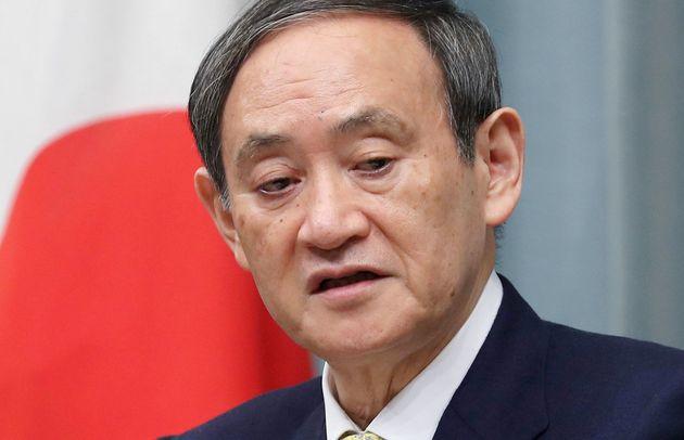記者会見する菅義偉官房長官=2月26日、首相官邸