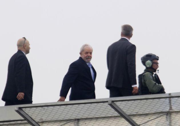 Lula desembarca em São Paulo para acompanhar velório do