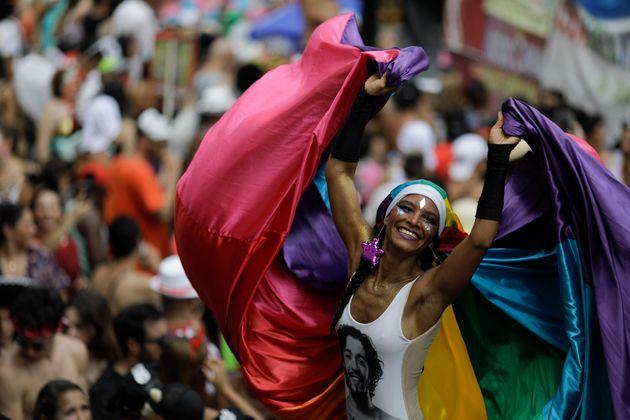 Βραζιλία: Το Καρναβάλι του Ρίο ξεκίνησε στη «σκιά» του