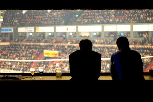 スポーツ実況、できるの男性だけじゃない。過去に6割のテレビ局が女性アナを起用 128社に聞いてみた(調査)