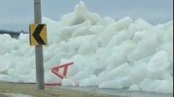 あっという間に氷の壁が出現。アメリカの湖で起きた自然現象が話題に