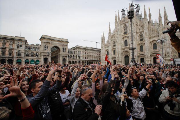 Μιλάνο: Δεκάδες χιλιάδες στην πορεία κατά του