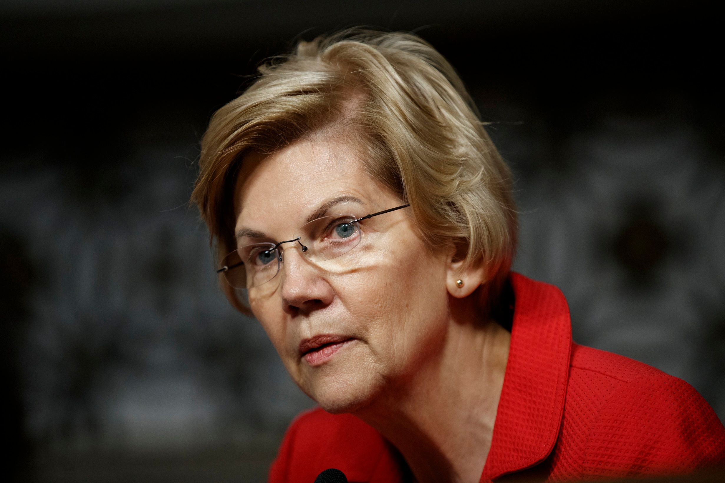Presidential candidate Sen. Elizabeth Warren (D-Mass) doesn't concur with former Vice President Joe Biden that the mand who s