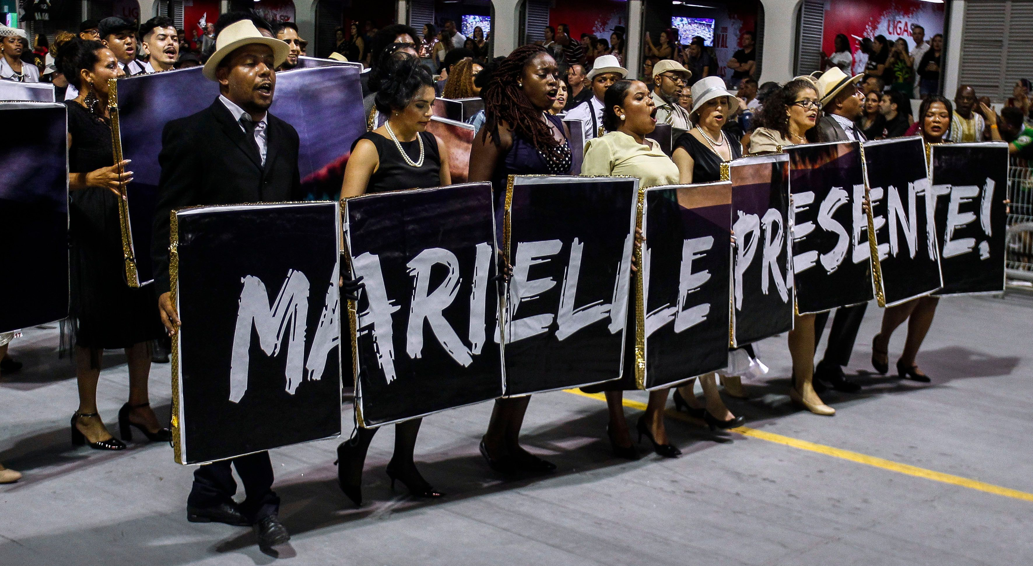 Vai-Vai exalta negritude em desfile de Carnaval com homenagem a Marielle