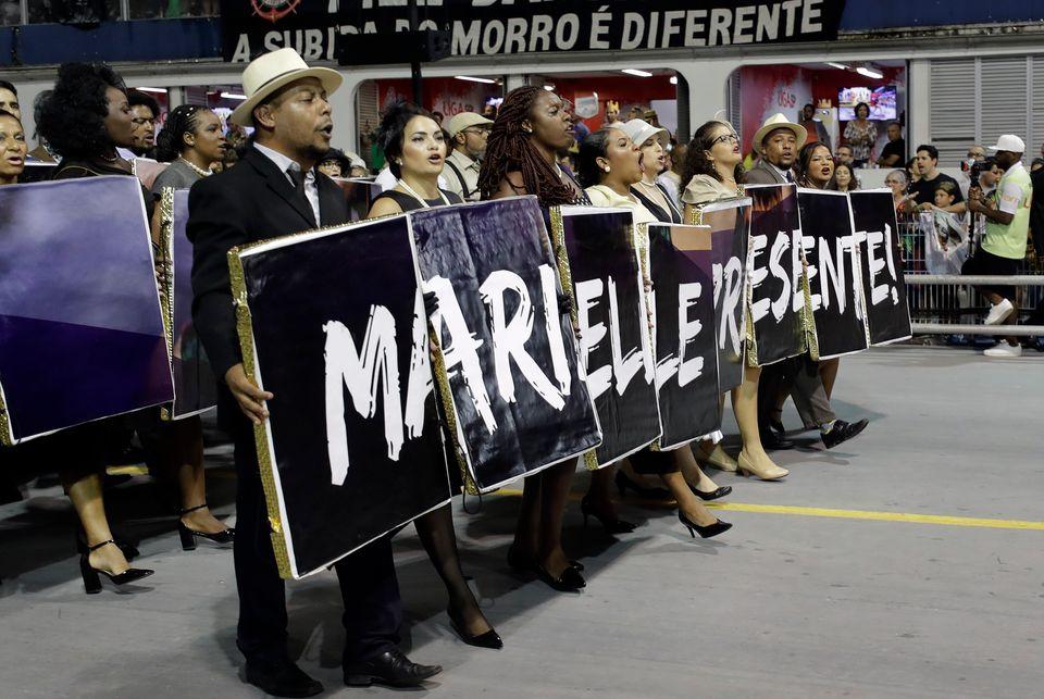 Vai-Vai faz desfile com homenagem a Marielle