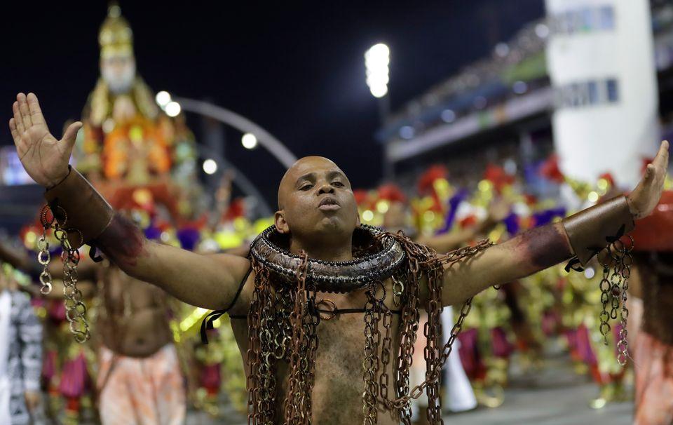 O desfile da Vai-Vai, em São Paulo, fez uma homenagem a vereadora Marielle