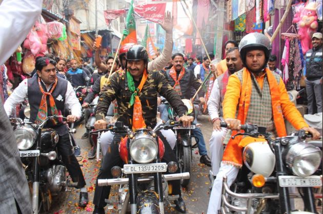 Manoj Tiwari Draws Flak For Wearing Military Fatigues To BJP