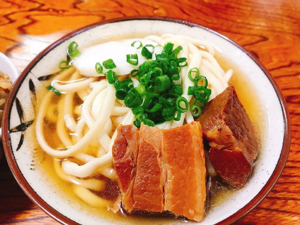 Ein tradtionelles Nudelgericht aus Okinawa.