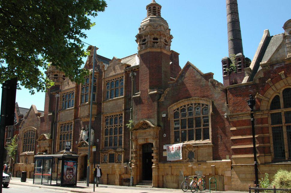 Moseley Road Baths isn Edwardian Grade II* listed swimming pool, in Balsall