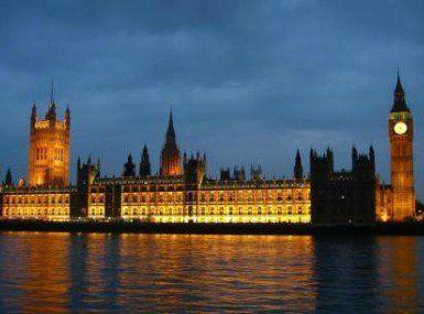 Καταγγελίες για κάλυψη Βρετανών πολιτικών που κακοποποιούσαν σεξουαλικά