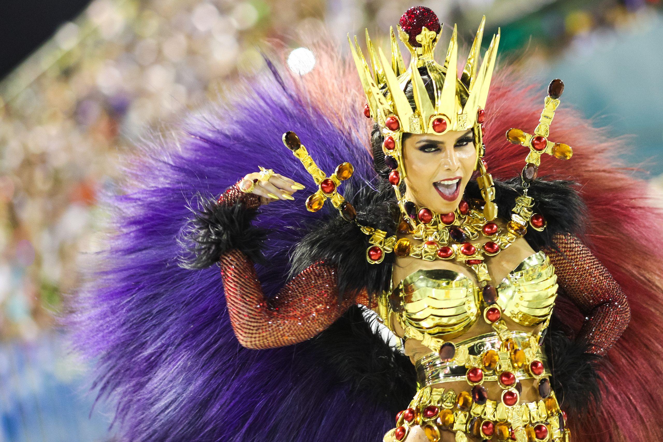 Percussion queen Raissa Machado of Viradouro performs.