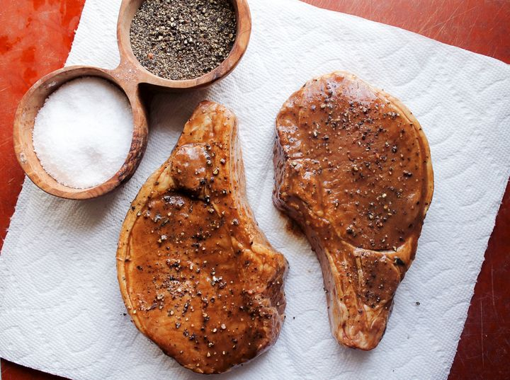 How To Cook Pork Chops Without Drying Them Out | HuffPost Life