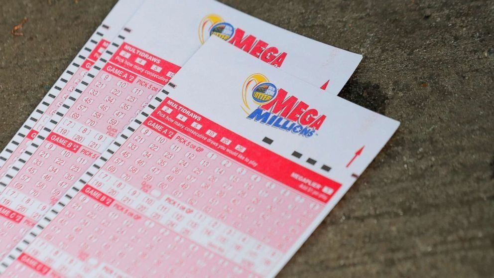 Victor of record $1.5B lottery drawing comes forward