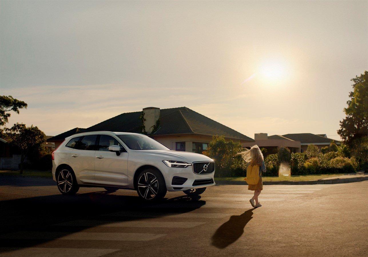 '안전한 자동차' 기술 개발에 매달려온 볼보의 결론 : 속도