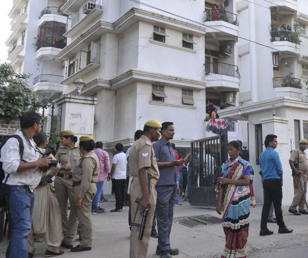 Filmmaker And Former FTII Teacher Found Hanging At Kolkata