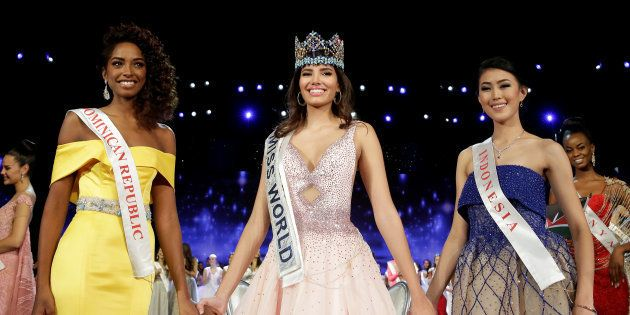Winner of Miss World Miss Puerto Rico Stephanie Del Valle (C) stands with first runner up Miss Dominican...