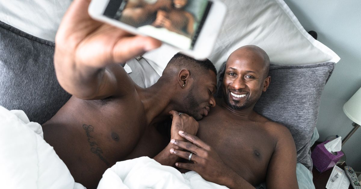 Surréaliste The Celebration Of Black Gay Love On Valentine's Day | HuffPost UK AS-75