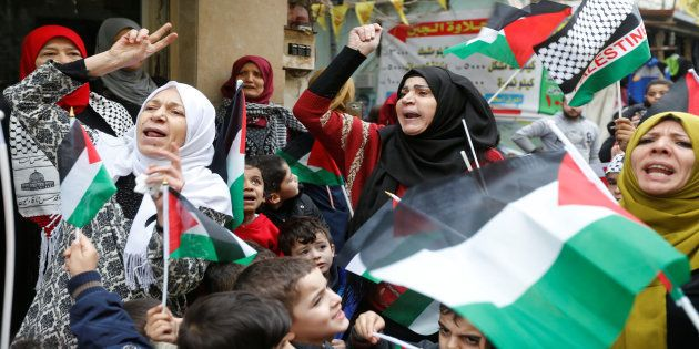 Palestinian women in Burj al-Barajneh refugee camp in Beirut, Lebanon, December 6, 2017. REUTERS/Mohamed