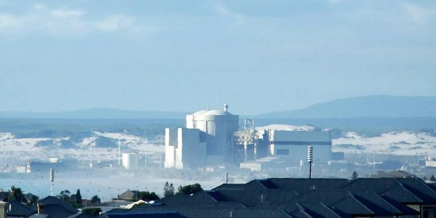 Cape Town, SOUTH AFRICA: A general view shows 18 January 2007 Koeberg Nuclear Power Station, about 30...