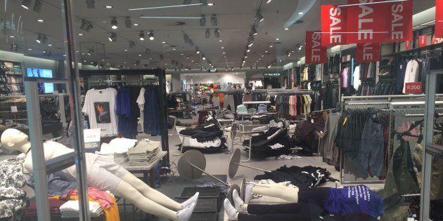 Chaos As EFF Trashes Gauteng H&M