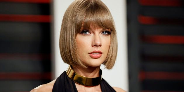 Singer Taylor Swift arrives at the Vanity Fair Oscar Party in Beverly Hills, California February 28,