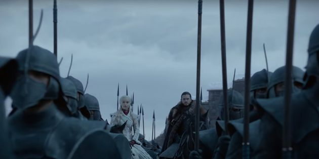 Daenerys aparece ao lado de John Snow no trailer da última temporada de Game Of