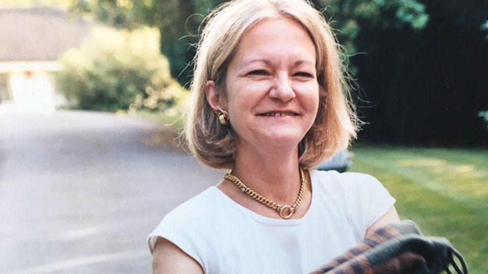 샐리 챌런은 15세 때 처음 만난 남편 리처드와 30년 넘게 결혼생활을
