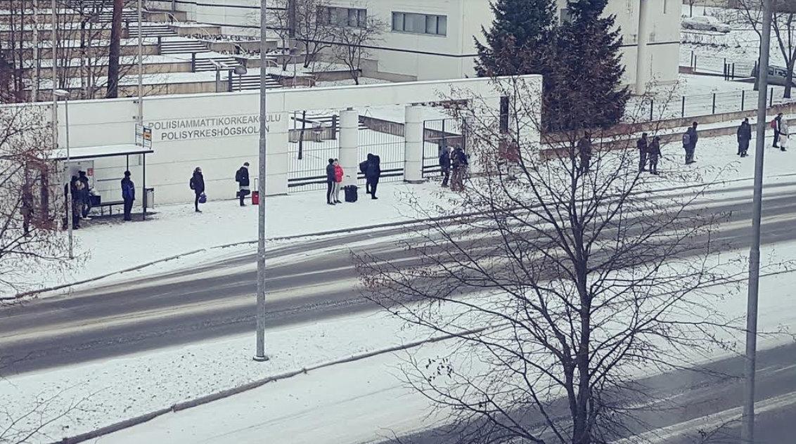 '핀란드 버스정류장'의 줄 선 사람들, 직접 본 적이