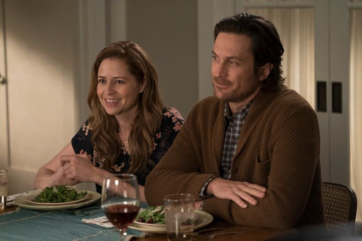 "Fischer stars in ABC's ""Splitting Up Together"" with actor Oliver Hudson."