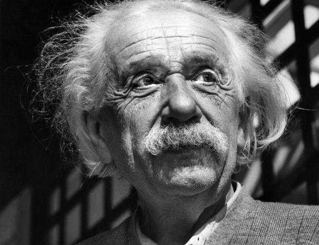 Χειρόγραφα του Αϊνστάιν εκτίθενται για πρώτη φορά στο Εβραϊκό Πανεπιστήμιο της