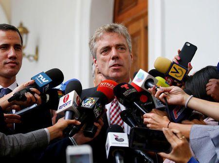 H Βενεζουέλα απευλάνει τον Γερμανό πρεσβευτή για ανάμειξη στις εσωτερικές