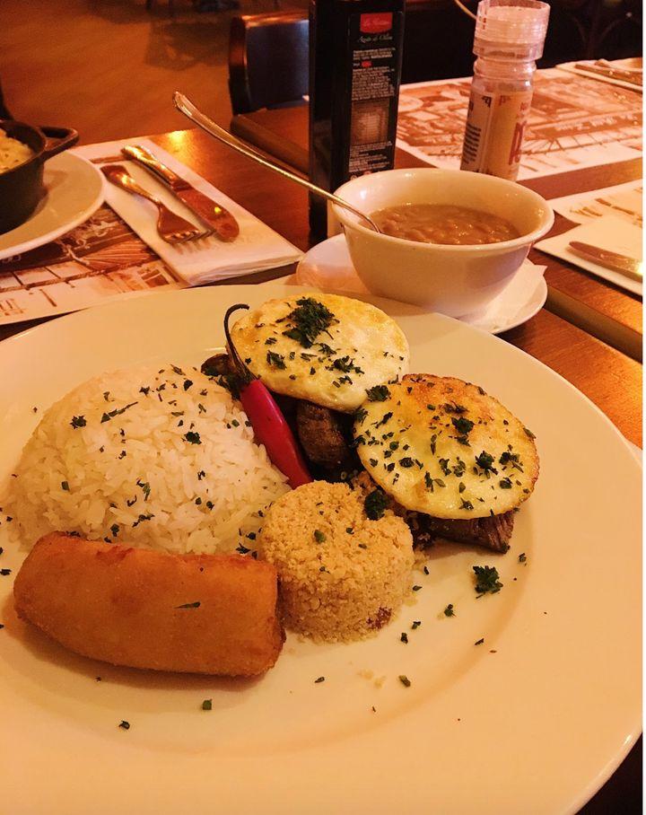 """Se visitar o Paris 6, prove o prato batizado de """"Ivete Sangalo""""."""