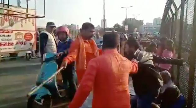 Kashmiri Dry Fruit-Sellers Attacked In Lucknow By Saffron-Clad