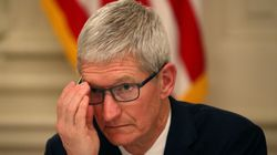 트럼프가 애플 CEO 팀 쿡을 강제