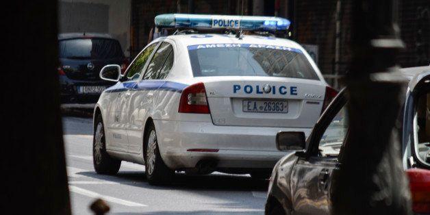 «Πόλεμος» χούλιγκαν: Επιμένει στην εκδοχή της ληστείας η 22χρονη που τη μαχαίρωσαν στο