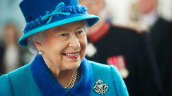 Η βασίλισσα Ελισάβετ έκανε για πρώτη φορά ποστ στο