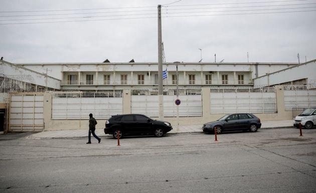 Ένας νεκρός σε αιματηρή συμπλοκή στις φυλακές