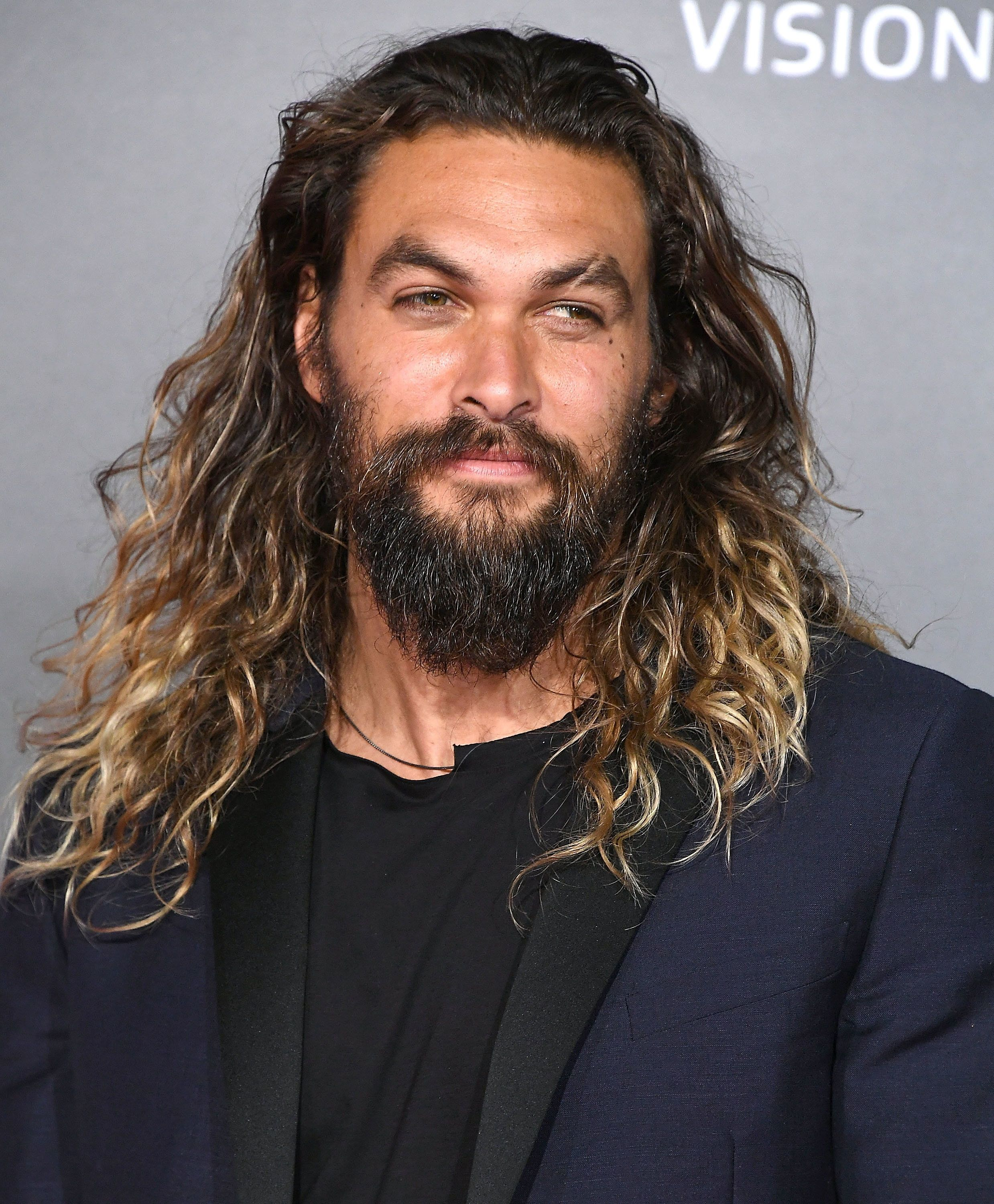 HOLLYWOOD, CA - NOVEMBER 13:  Jason Momoa arrives at the Premiere Of Warner Bros. Pictures' 'Justice League'  at Dolby Theatre on November 13, 2017 in Hollywood, California.  (Photo by Steve Granitz/WireImage)