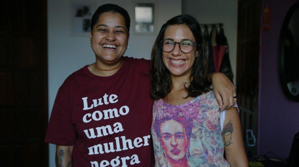 Juh Almeida (à esquerda) e Nathalí Macedo (à