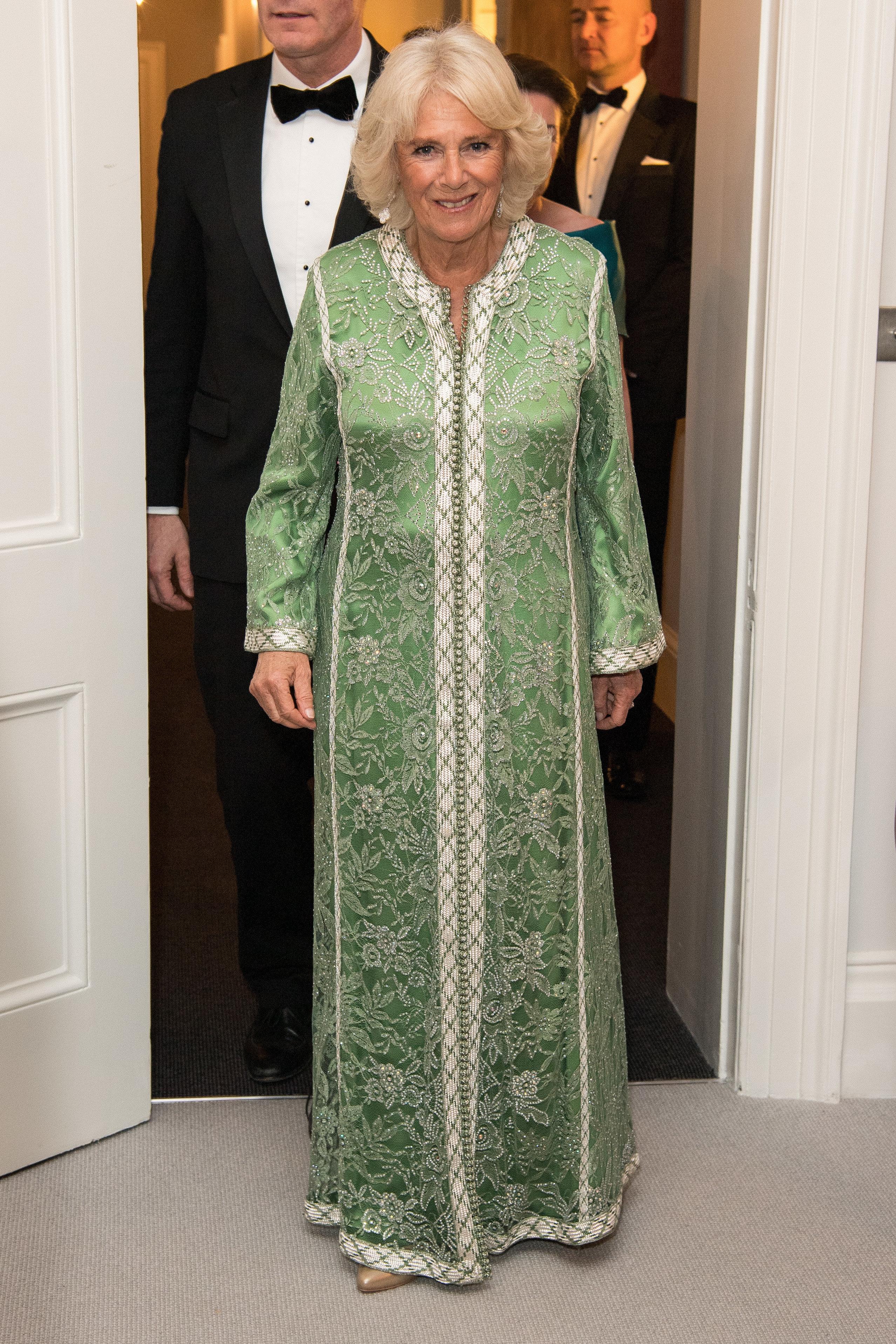 Camilla porte de nouveau le caftan offert par le roi Mohammed