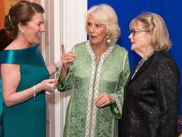 Camilla, l'épouse du prince Charles, porte de nouveau le caftan offert par le roi Mohammed