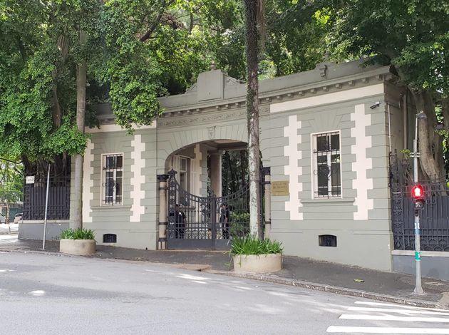 Palacete onde hoje está o Iate Clube de Santos, em Higienópolis, foi construído...