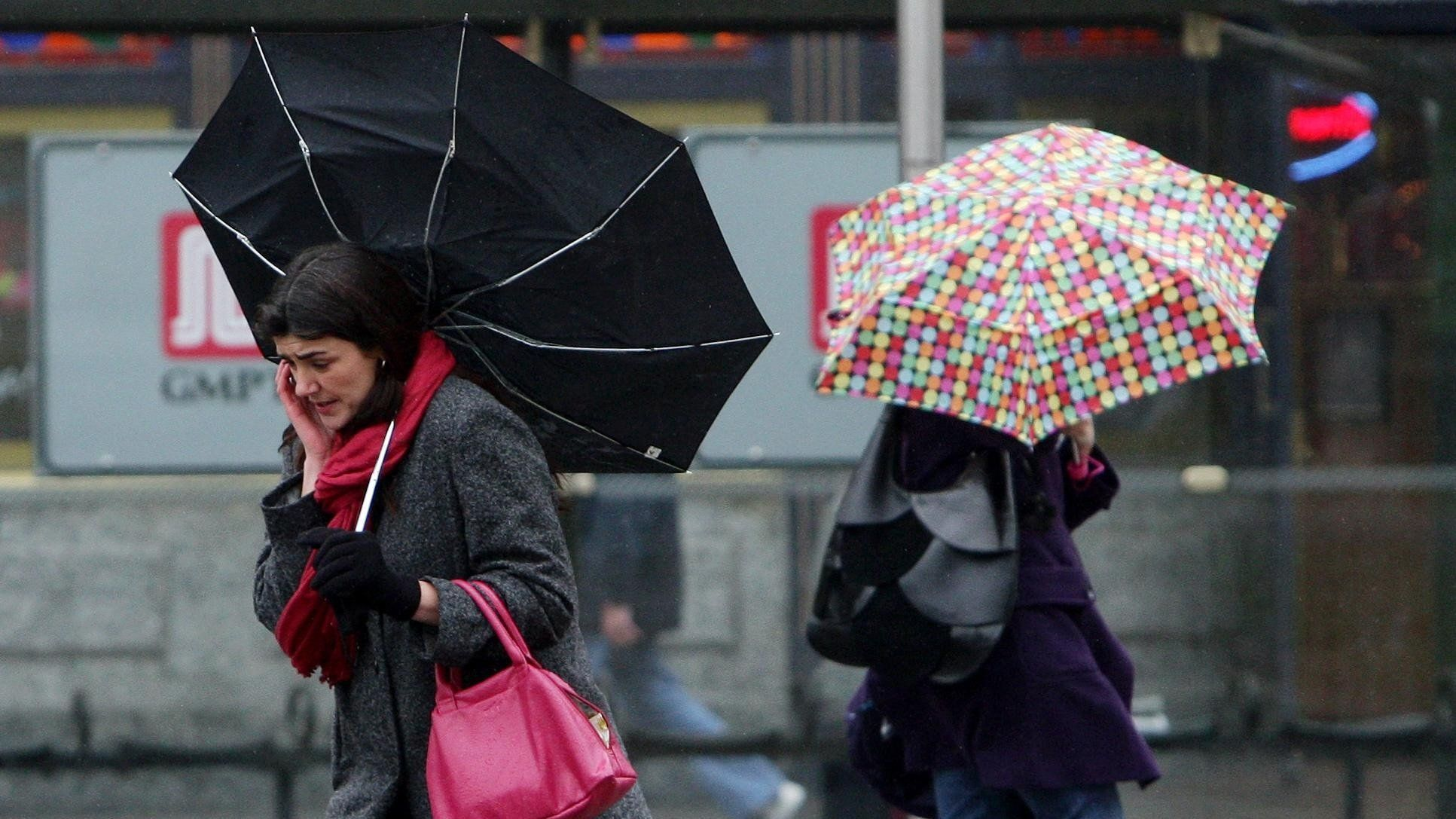 Weather warning for snow and ice to continue into Monday