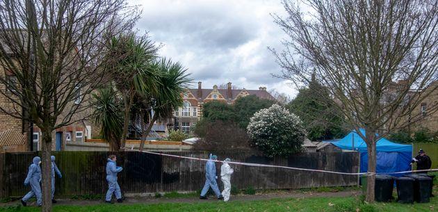 Λονδίνο: Γαλλίδα κινηματογραφίστρια βρέθηκε στραγγαλισμένη και θαμμένη στον κήπο