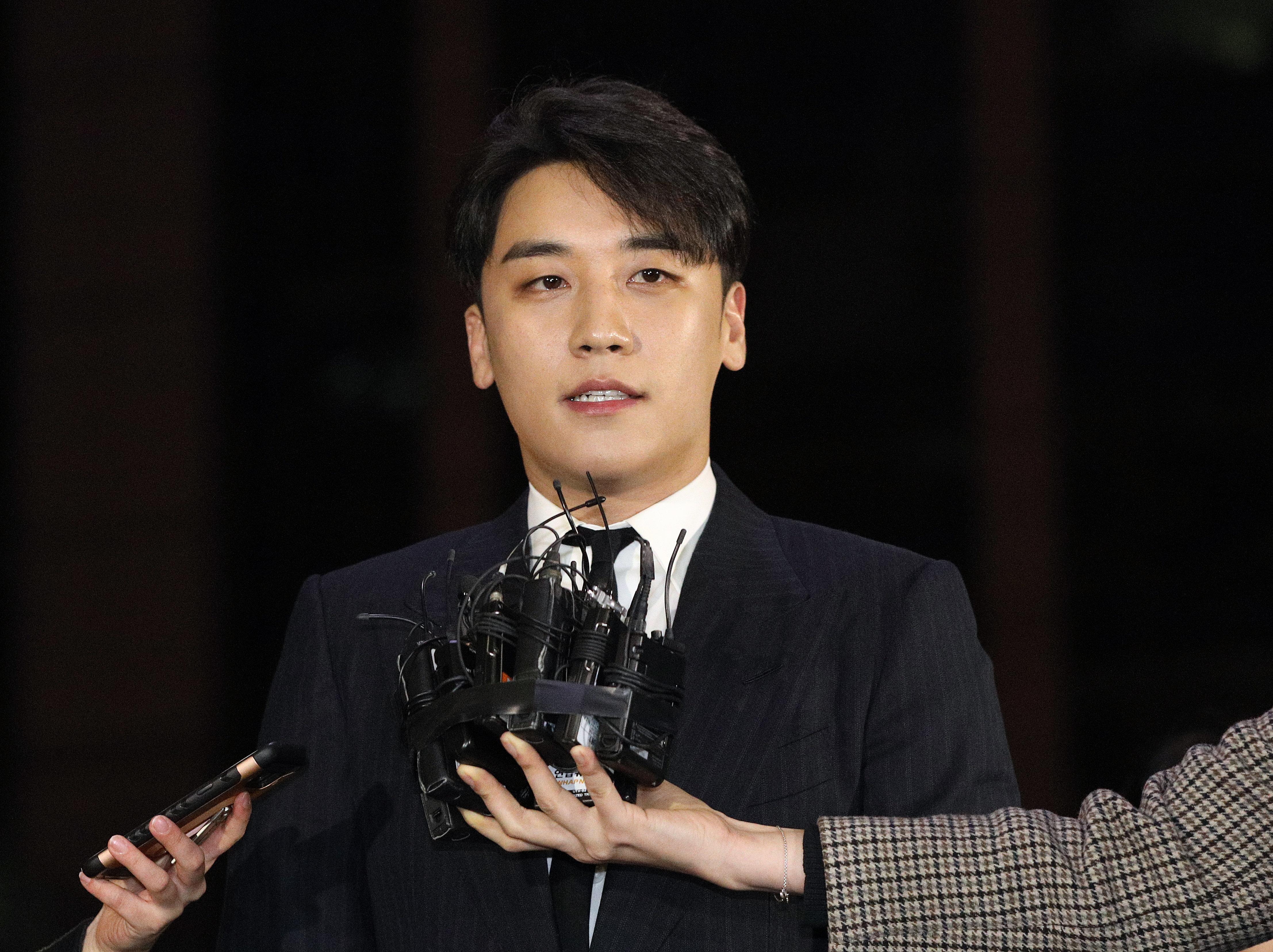 YG엔터테인먼트 관계자가 '승리 은퇴 발표'에 대해 입을