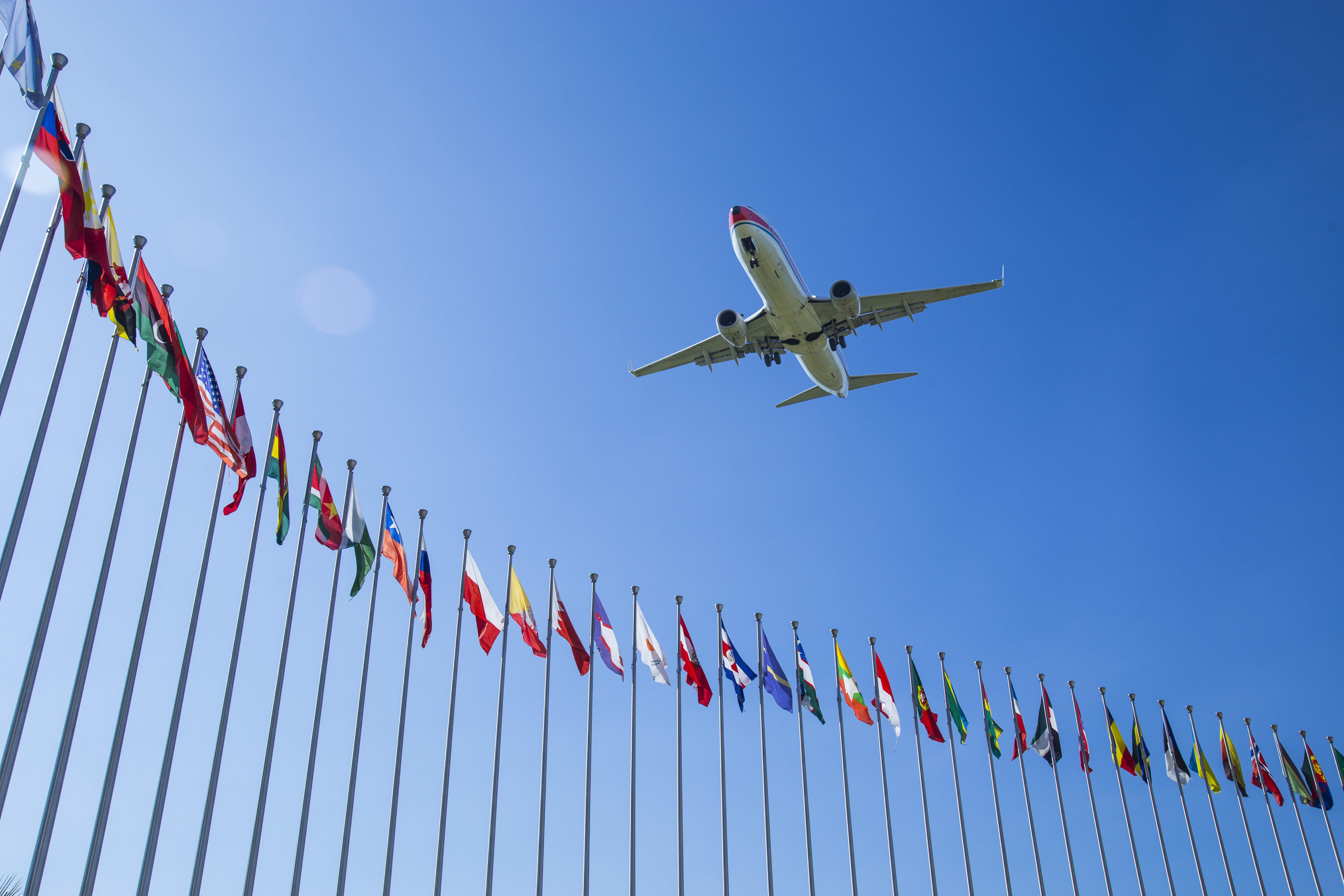 Τέλος στα άνευ περιορισμών ταξίδια προς χώρες της Ευρώπης για τους πολίτες δεκάδων