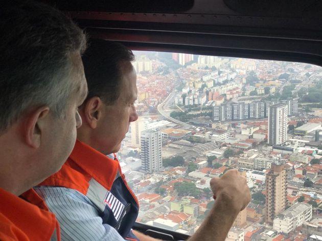 Grande São Paulo tem vários pontos de alagamento e entra em estado de